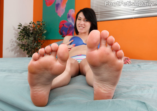 Megan Piper Rubs Her Feet and Toes Over a Hard Dick - Hardcore HD Gallery