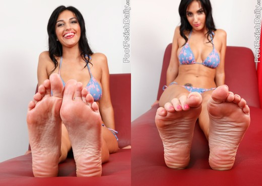 Amber Cox Offers Up Her Feet and Pussy to that Hard Cock - Hardcore HD Gallery