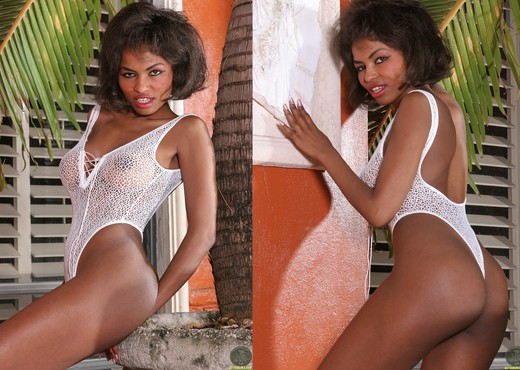 Becca Bali - Actiongirls - Ebony Sexy Gallery