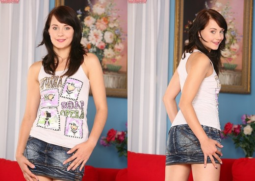 Leda - Karup's Private Collection - Toys Sexy Gallery