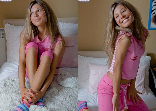 Paula - Karup's Hometown Amateurs - Toys HD Gallery