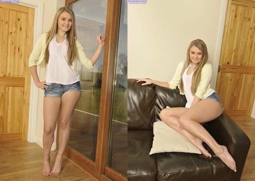 Heidi - Karup's Hometown Amateurs - Solo Nude Pics
