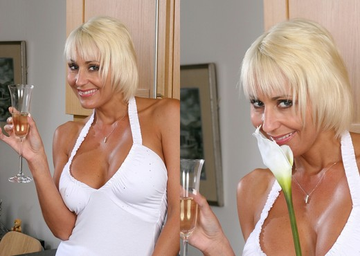 Jan - Karup's Older Women - MILF Hot Gallery