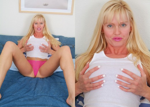 Goldy - Karup's Older Women - MILF Sexy Photo Gallery