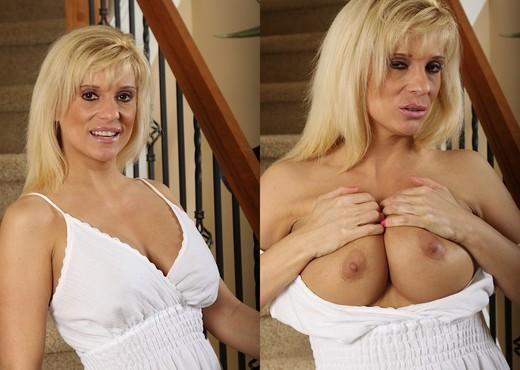 Jess - Karup's Older Women - MILF Nude Gallery