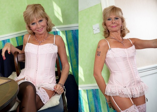 Cathy Oakley - Karup's Older Women - MILF Sexy Gallery