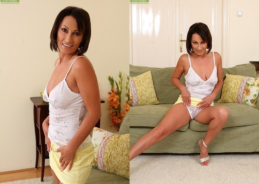 Sandy Saxx - Karup's Older Women - MILF Image Gallery