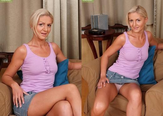 Kelly White - Karup's Older Women - MILF HD Gallery