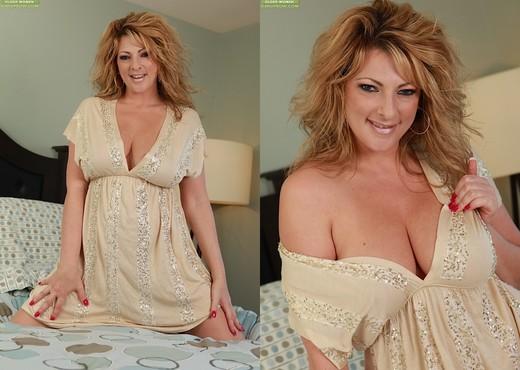 Lexi Lexxx - Karup's Older Women - MILF Porn Gallery