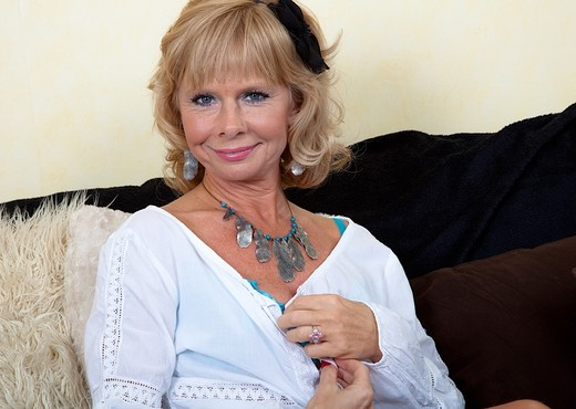 Cathy Oakley - Karup's Older Women - MILF TGP