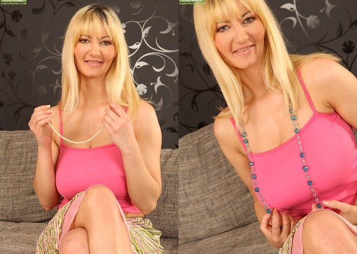 Vanessa Lovely - Karup's Older Women - MILF Picture Gallery