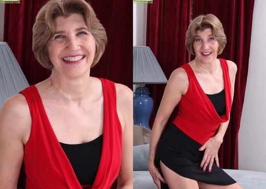 Bossy Ryder - Karup's Older Women - MILF HD Gallery