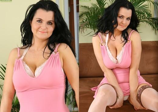 Reny - Karup's Older Women - MILF Sexy Gallery