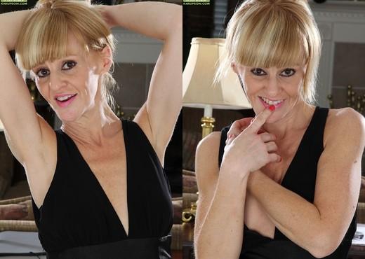 Josie - Karup's Older Women - MILF Nude Pics