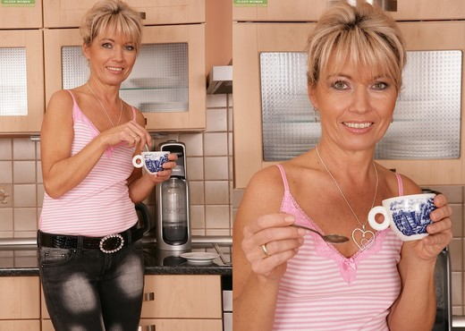 Janet Darling - Karup's Older Women - MILF HD Gallery