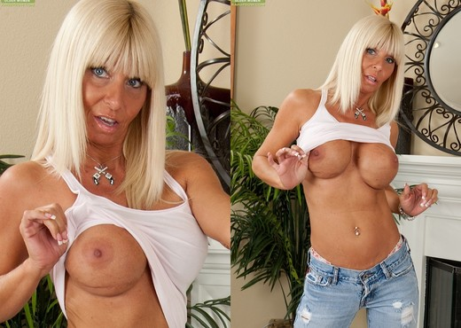 Kasey Storm - Karup's Older Women - MILF HD Gallery