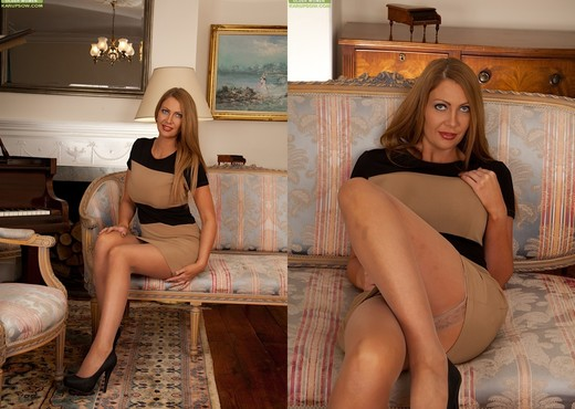 Leigh Darby - Karup's Older Women - MILF Picture Gallery