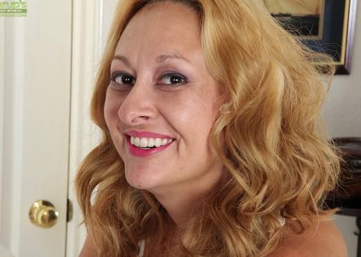 Roxy Jennings - Karup's Older Women - MILF Sexy Photo Gallery