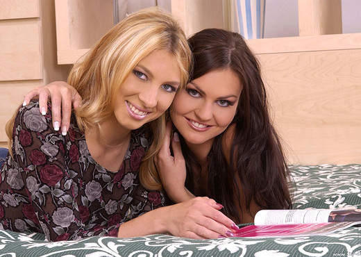 Janet Alfano & Satin - 1by-day - Lesbian Image Gallery