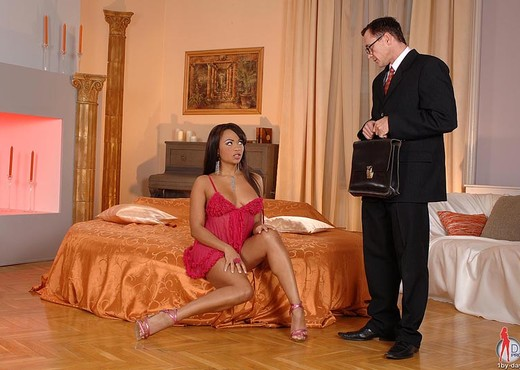 Dunia Montenegro - 1by-day - Anal Picture Gallery
