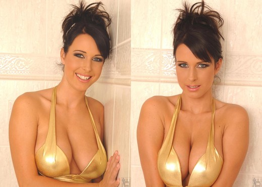 Roxana - DDF Busty - Boobs Picture Gallery