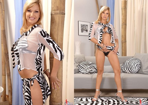 Carol - DDF Busty - Boobs Image Gallery