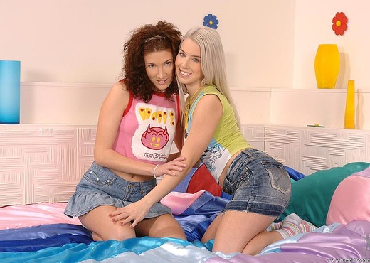 Lily Cross & Nesty - Euro Girls on Girls - Lesbian Sexy Photo Gallery