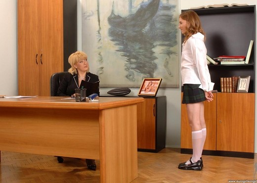 Lolly Cat & Madam - Euro Girls on Girls - Lesbian TGP