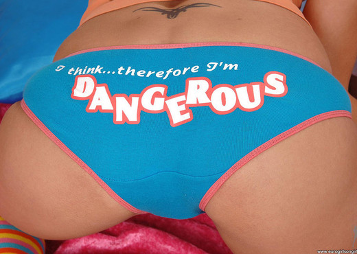 Ally & Mia la Roche - Euro Girls on Girls - Lesbian Porn Gallery