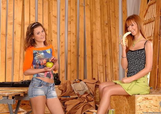 Baby Silver & Gloria - Euro Girls on Girls - Lesbian Nude Gallery