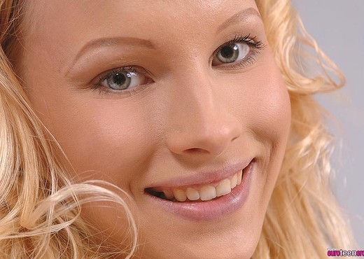 Gitta Blond - Euro Teen Erotica - Teen Sexy Gallery