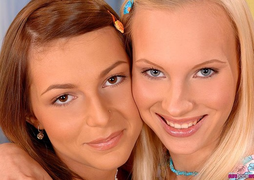 Gitta Blond & Jennifer Love - Euro Teen Erotica - Lesbian Image Gallery