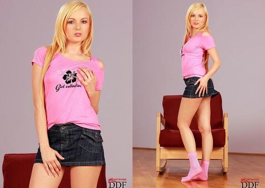 Szofya Cox - Euro Teen Erotica - Teen Hot Gallery