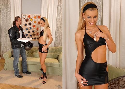 Deniska - Only Blowjob - Blowjob Nude Pics