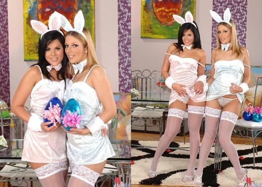 Debbie White & Madison Parker - Blowjob Nude Pics