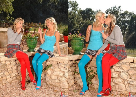 Gina & Laura Crystal - Hot Legs and Feet - Lesbian Nude Pics