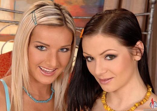 Mischelle & Vanessa Jordin - Lesbian Porn Gallery