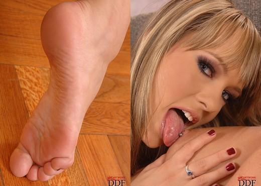 Blue Angel & Missy - Hot Legs and Feet - Feet Porn Gallery