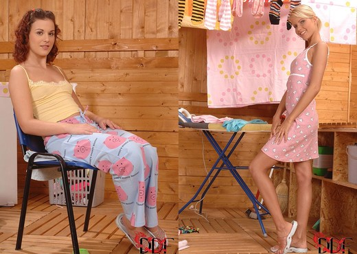 Gloria & Pink Pussy - Hot Legs and Feet - Lesbian Sexy Photo Gallery