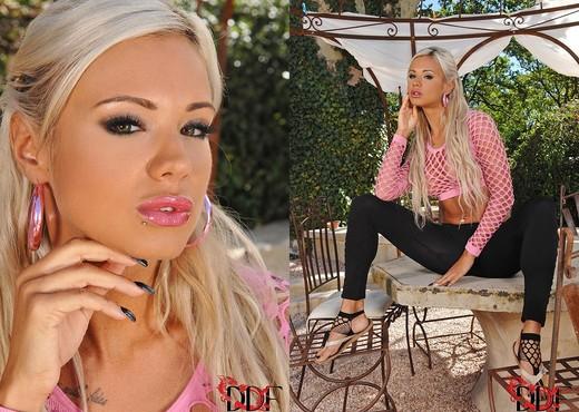 Ashley Bulgari - Hot Legs and Feet - Feet Sexy Gallery