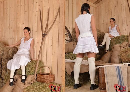 Athina & Betty - Hot Legs and Feet - Lesbian Nude Pics