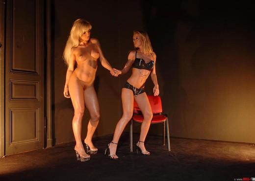 Linda Shane & Kassy Krystal - Lesbian TGP