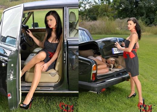 Billie Star & Chloe Lacourt - Feet Sexy Photo Gallery