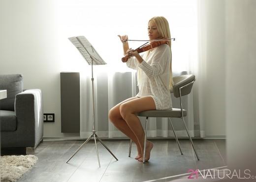 Violin - Kiara Lord - Solo Sexy Photo Gallery