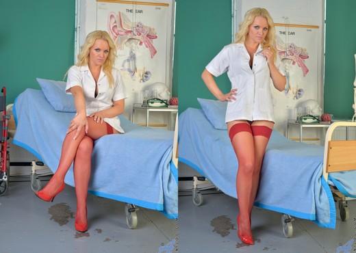 Frankie - Naughty Nurse - Anilos - MILF Nude Pics