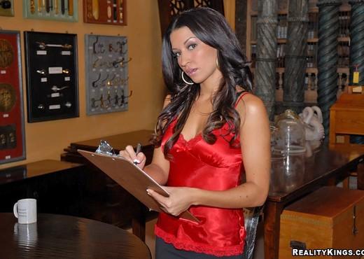 Ann Marie - Algo Especial - 8th Street Latinas - Latina TGP