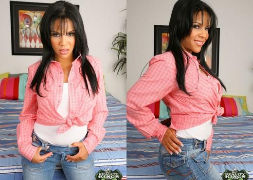 Elena - Flores De Amor - 8th Street Latinas - Latina Hot Gallery