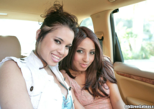 Veronique & Renae - Jalapeno Chocha - 8th Street Latinas - Latina TGP