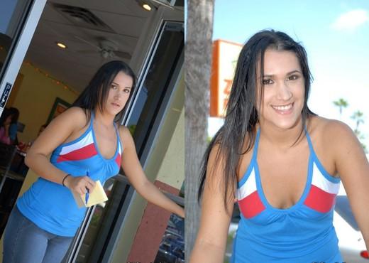 Lia - Taco Viva - 8th Street Latinas - Latina Image Gallery