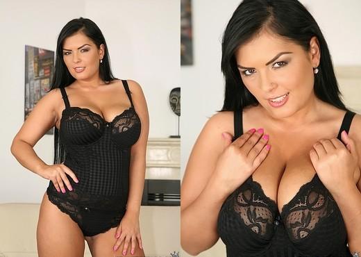 Jasmine Black - Boobie Bonanza - Big Naturals - Boobs Nude Pics